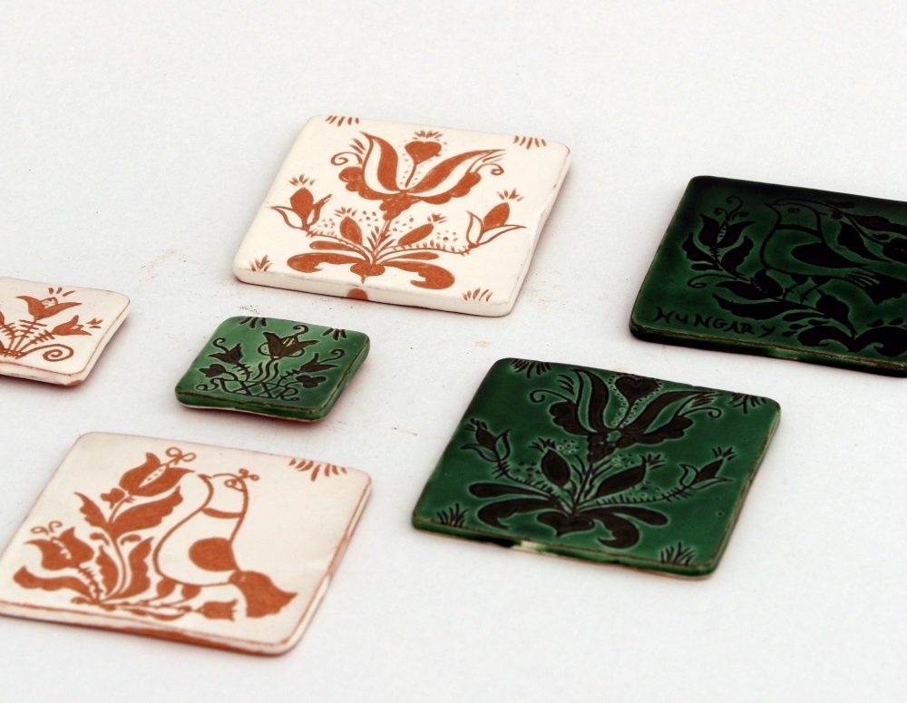 karcolt hagyományos fazekas kerámiák,
